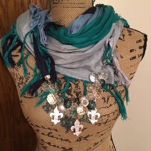 NWT Blinged up Scarf